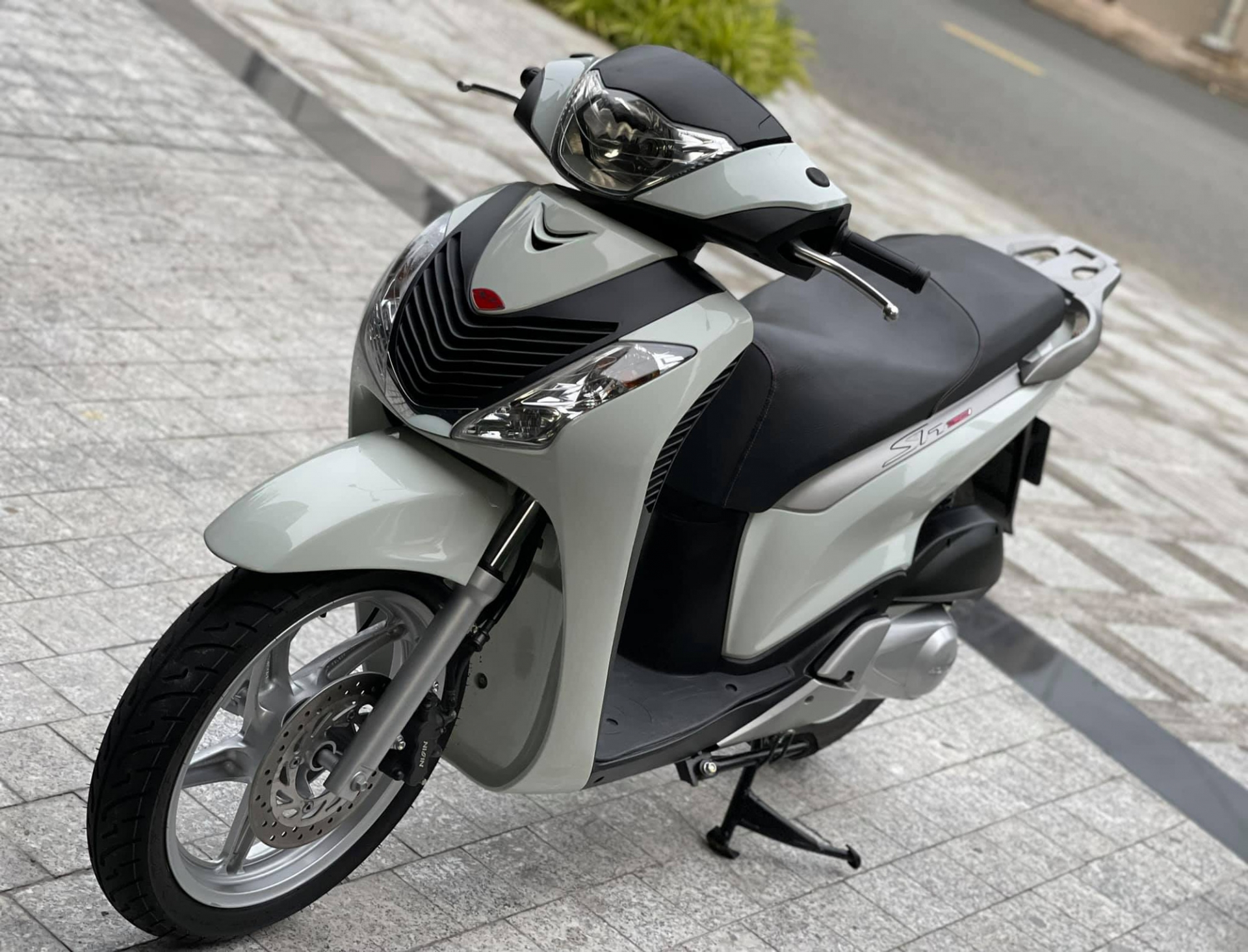 Old Honda SH 150i for sale for 1 billion, the car found a new owner after only 4 days 2