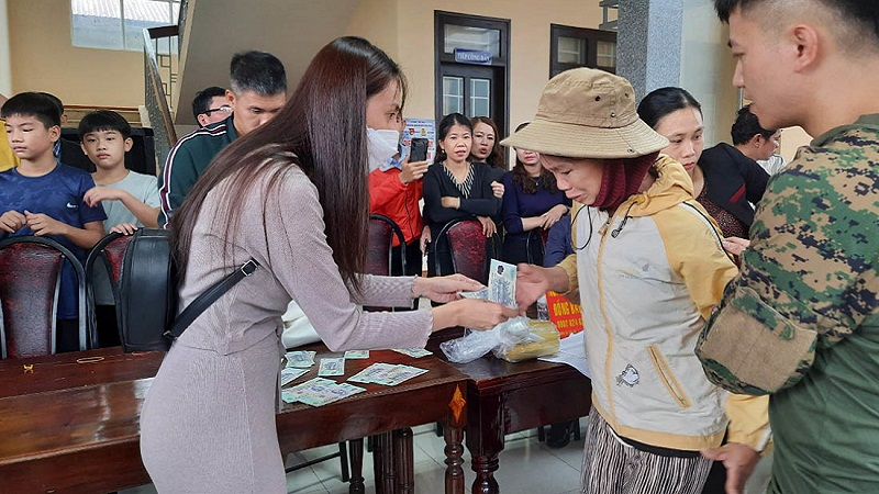 Thuy Tien scandal for charity: The police have invited some related people to work 3