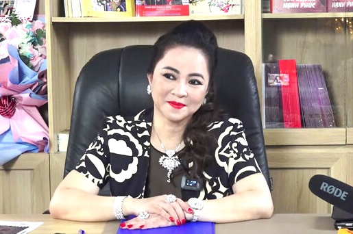 Sober not to fall into the quagmire, Mrs. Phuong Hang claimed to leave a 'mess' for this force to handle.