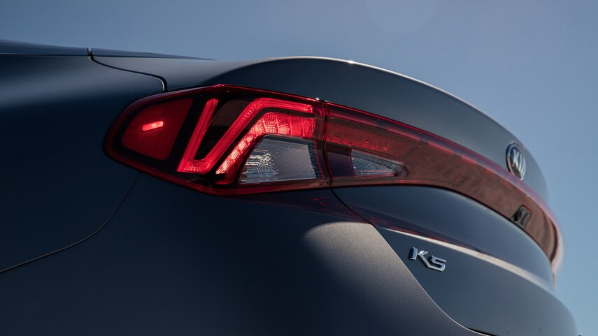 The sudden return of Kia K5: A serious competitor will knock out Vinfast Lux, threatening Toyota Camry 8