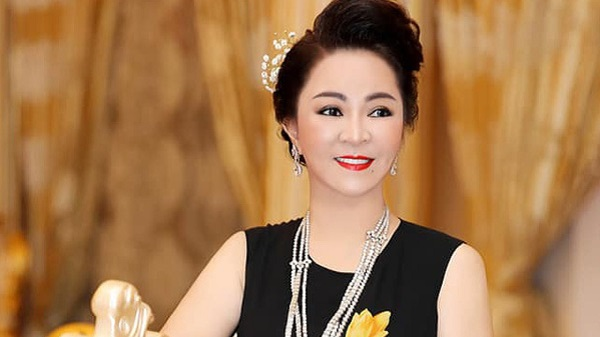 Hot news on October 9: Lawyer talked about Phuong Hang's 'statement dream';  Cong Vinh revealed the secret of charity money through text messages with his sister 3