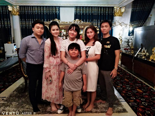 Phuong Hang's son accidentally revealed a secret in the family 2