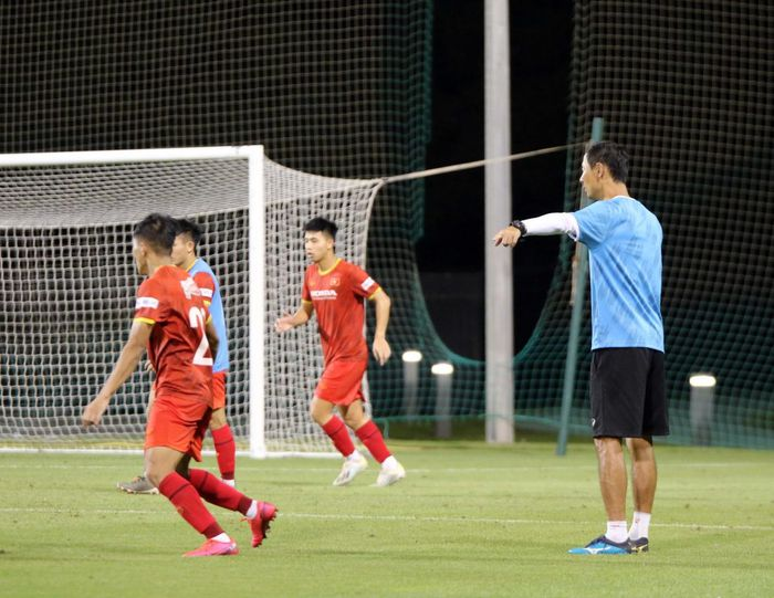 Mr. Park and 3 players joined forces with the U22 team, preparing to kick the Asian U23 qualifier 2