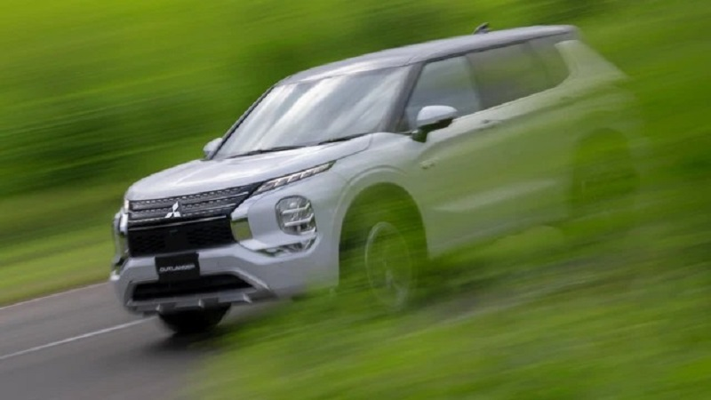 Hottest car news 5/10: Mitsubishi Outlander is about to return to Vietnam, Tiny electric cars with unique design 1