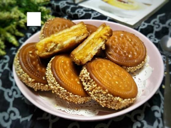 Go to the kitchen and make sweet potato cakes that are both delicious and nutritious to sip in the cool autumn weather