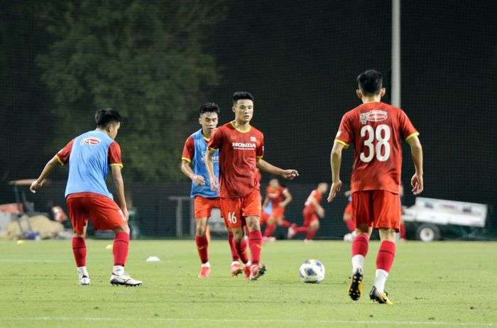Mr. Park and 3 players joined forces with the U22 team, preparing to kick the Asian U23 qualifier 1