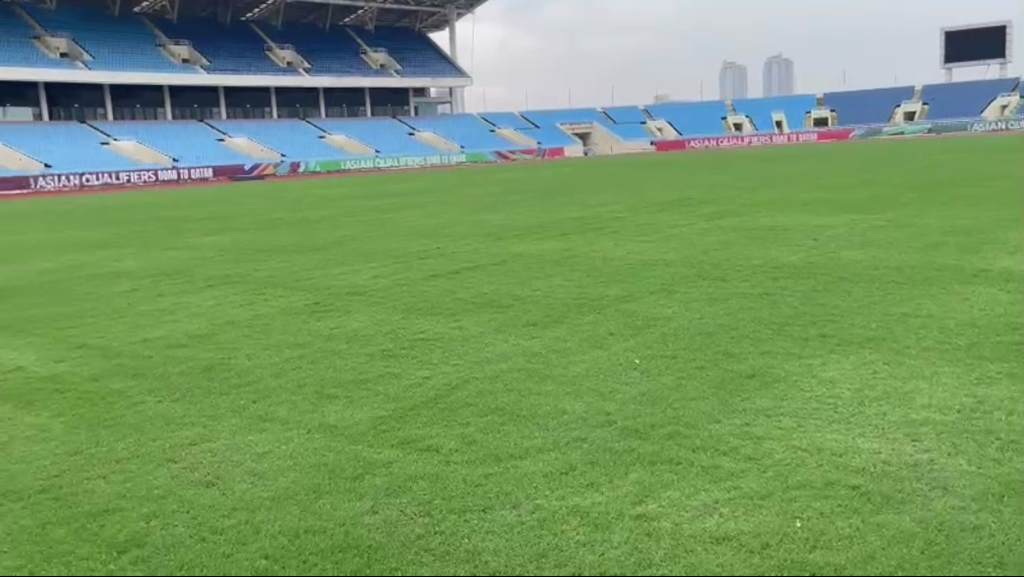 My Dinh Stadium is green with new grass, racing to upgrade with Lach Tray Stadium, waiting for the decision of AFC 3