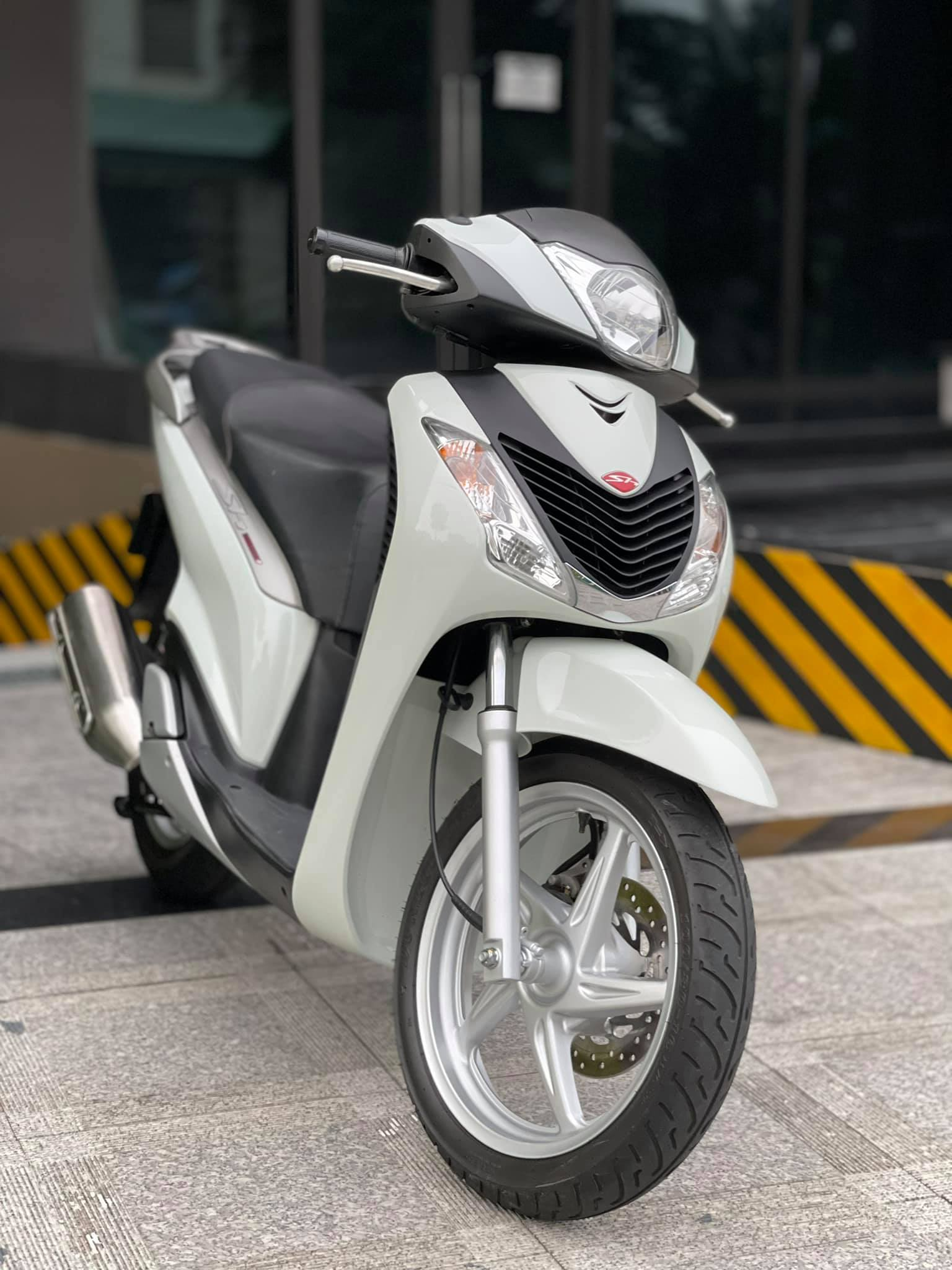 Old Honda SH 150i for sale for 1 billion dong, the car found a new owner after only 4 days 1