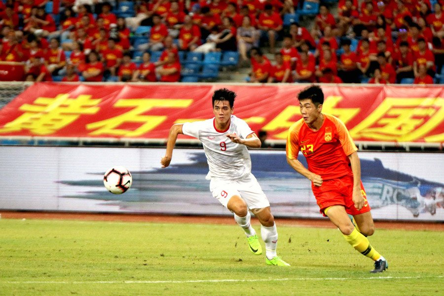 Spending 3,000 billion to naturalize players is not enough, China has added more than the number 1 Super League superstar to fight Vietnam 1